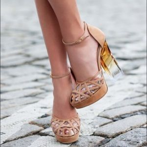 RYAN HABER COLLECTION UPTOWN LUCITE NUDE HEELS